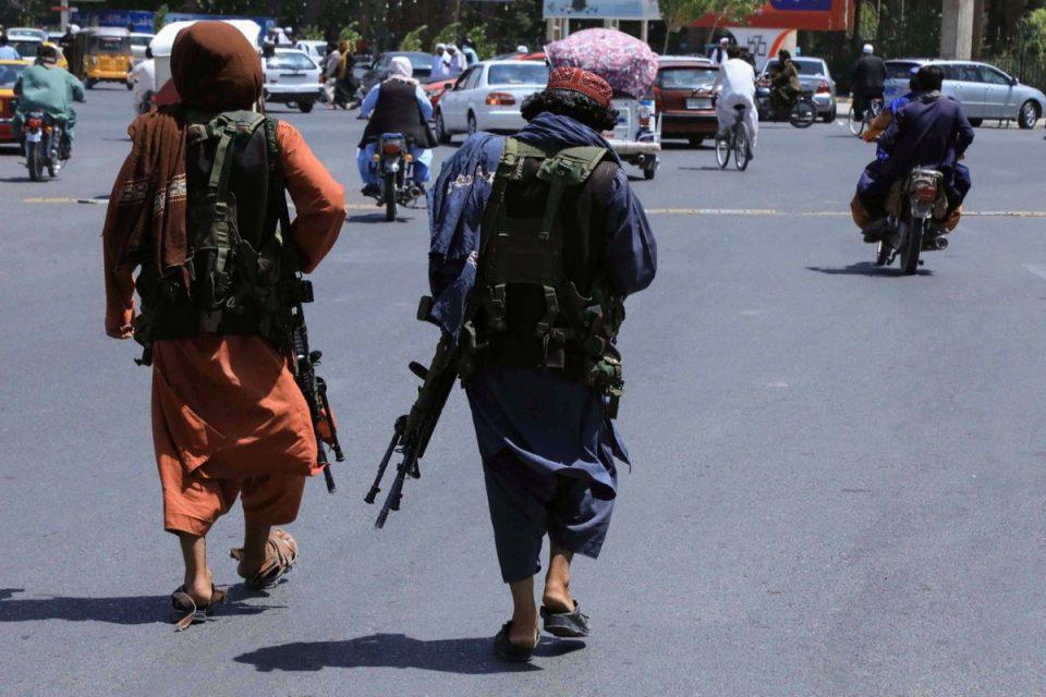 Αφγανιστάν: Δραματικές στιγμές – Αρκετές εκρήξεις στην Καμπούλ