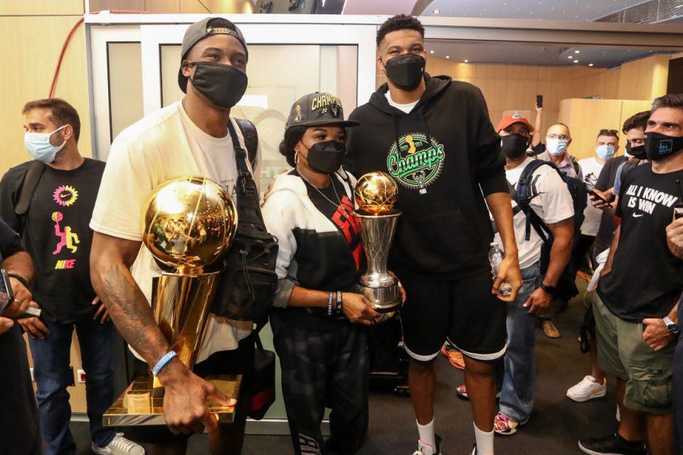 Γιάννης Αντετοκούνμπο: Ραντεβού στα Σεπόλια – Η κούπα του NBA στην γειτονιά του MVP