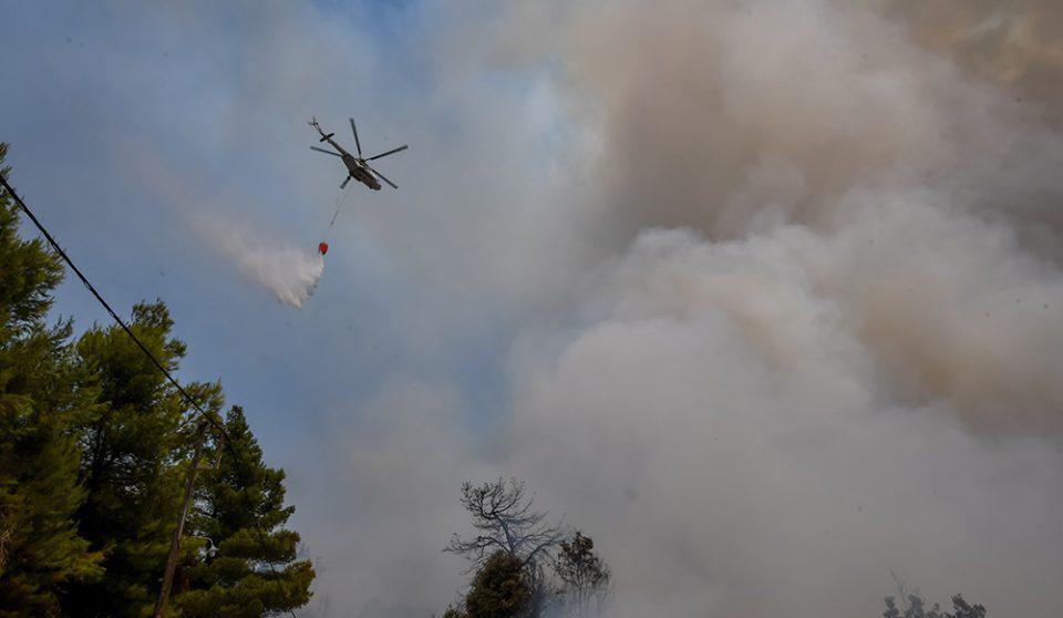 Κρήτη: Μεγάλη φωτιά στο Λασίθι – Σηκώθηκε ελικόπτερο