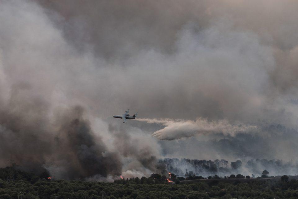 Φωτιά στην Βαρυμπόμπη - Αποκάλυψη Εleftherostypos.gr: Πώς το Beriev-200 έσωσε κάτοικο