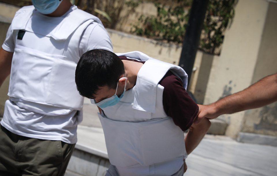Δάφνη: Συγγενείς της 31χρονης επιτέθηκαν στον συζυγοκτόνο
