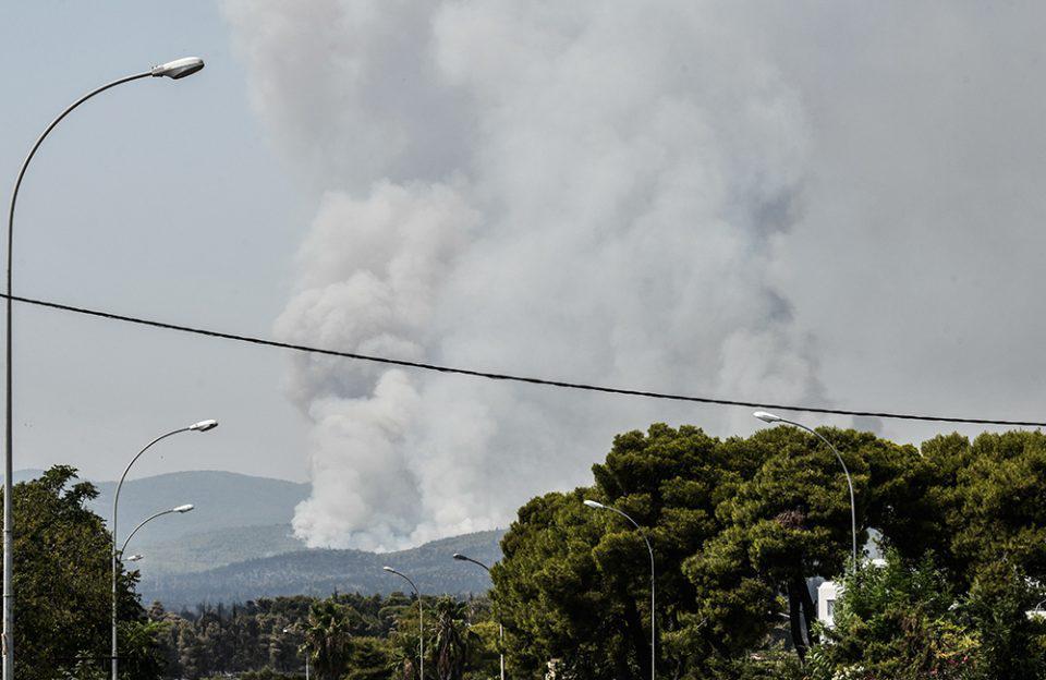 Φωτιά στην Αττική: Ποιοι δρόμοι έχουν κλείσει [συνεχής ενημέρωση]
