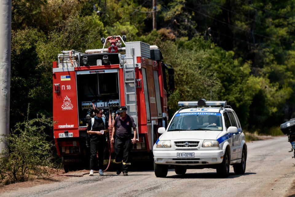 Φωτιές: Στρατός και Αστυνομία «χτενίζουν» δάση και βουνά - Γεμάτα και έτοιμα τα εναέρια μέσα
