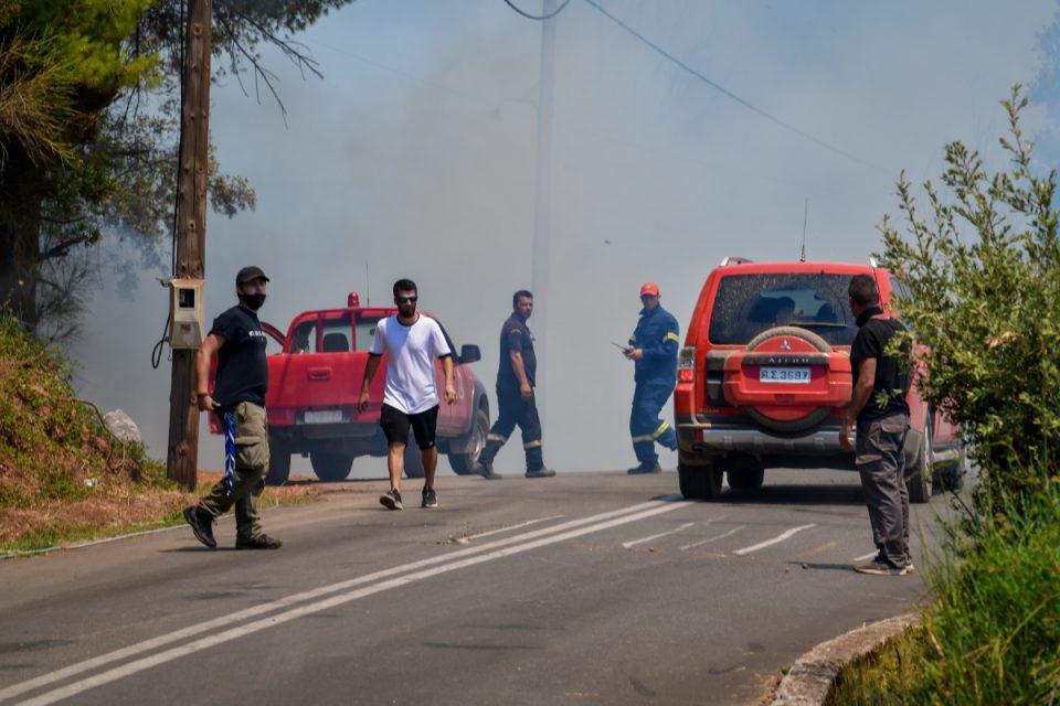 Φωτιά στην Ανατολική Μάνη: Συνεχίζεται η πύρινη λαίλαπα – Συναγερμός για τις αναζωπυρώσεις