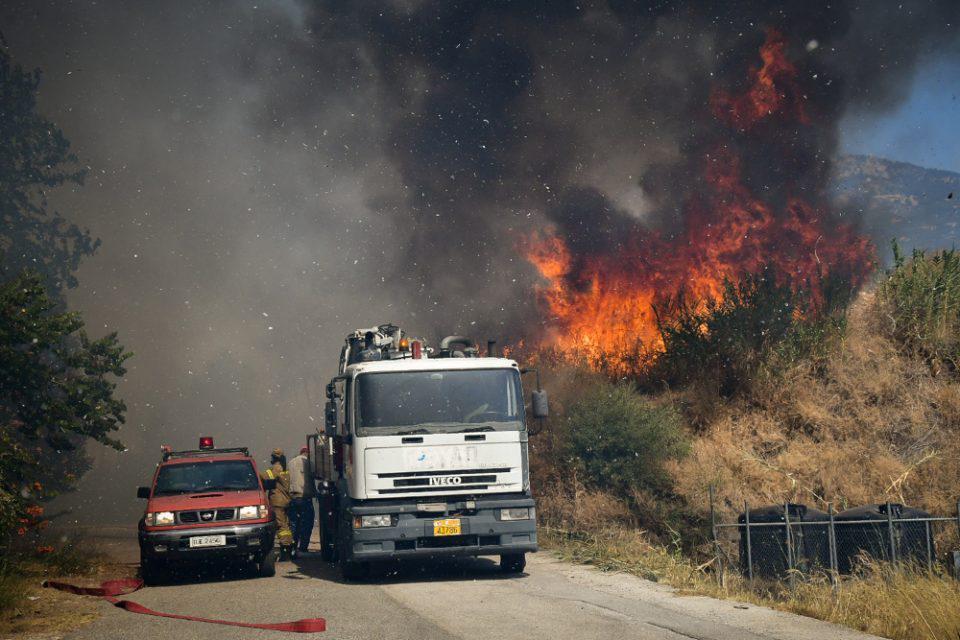 Φωτιά στην Αττική: Εκκενώνεται και η Μαλακάσα
