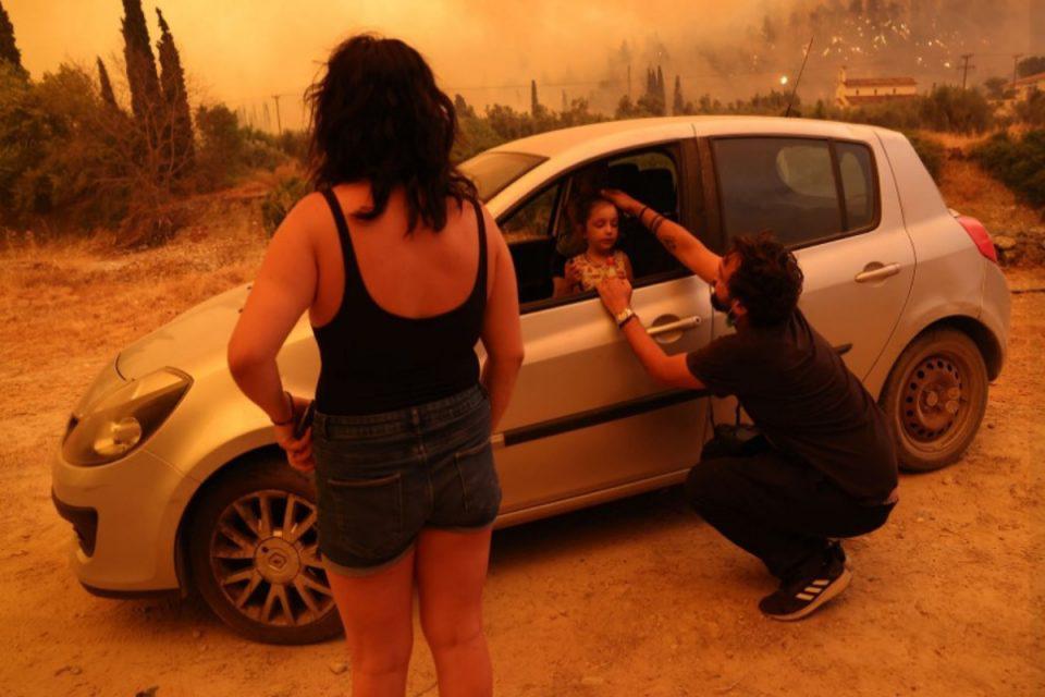 Φωτιά στην Εύβοια: Όταν η Βαλεντίνα συγκλόνισε το πανελλήνιο – Πότε σταμάτησε να κλαίει το κοριτσάκι