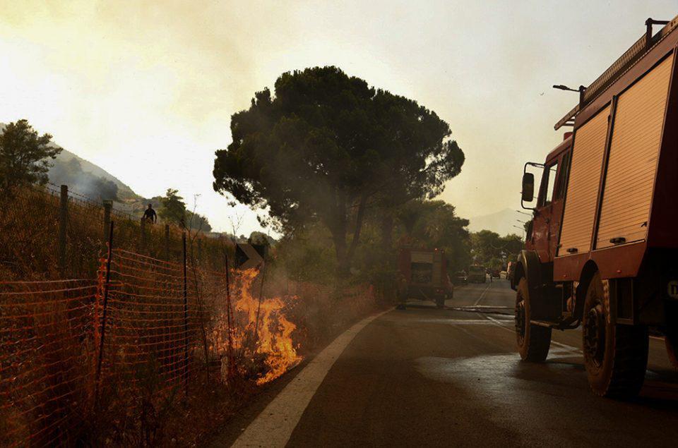 Φωτιά στην Αττική: Άνοιξε η Εθνική Οδός Αθηνών - Λαμίας