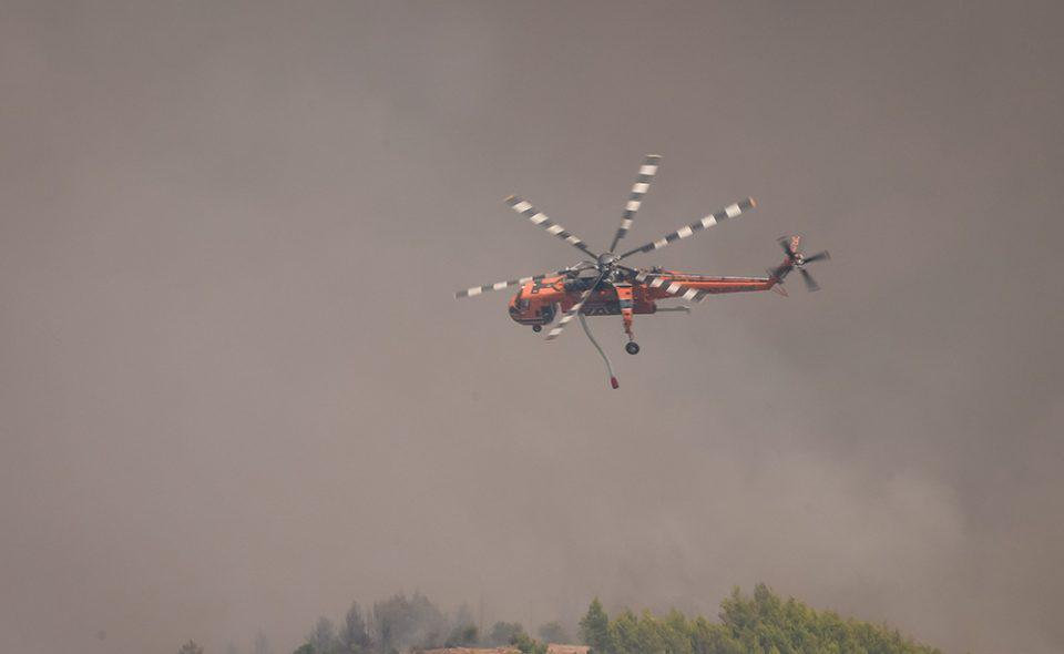 Φωτιές: Συνεχίζουν να επιχειρούν δυνάμεις της Πυροσβεστικής