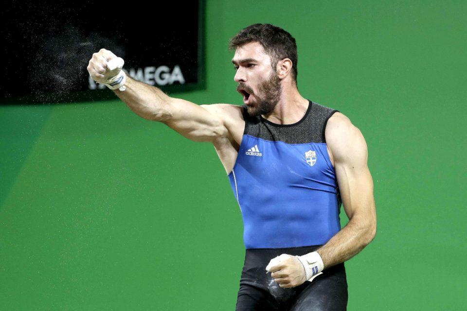 Ολυμπιακοί Αγώνες: Επέστρεψε ο Ιακωβίδης – Θερμή υποδοχή στον αρσιβαρίστα που συγκλόνισε το πανελλήνιο