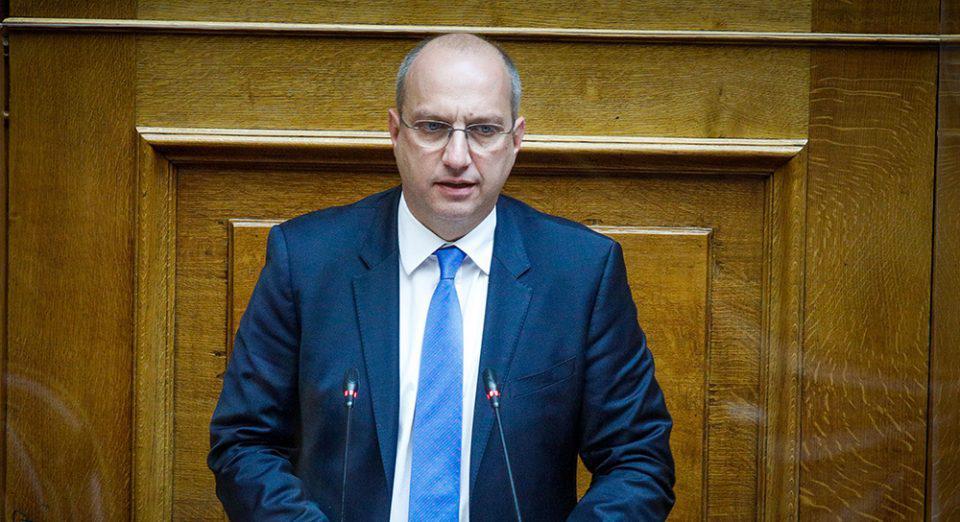 Ιωάννης Οικονόμου: Ποιος είναι ο νέος κυβερνητικός εκπρόσωπος