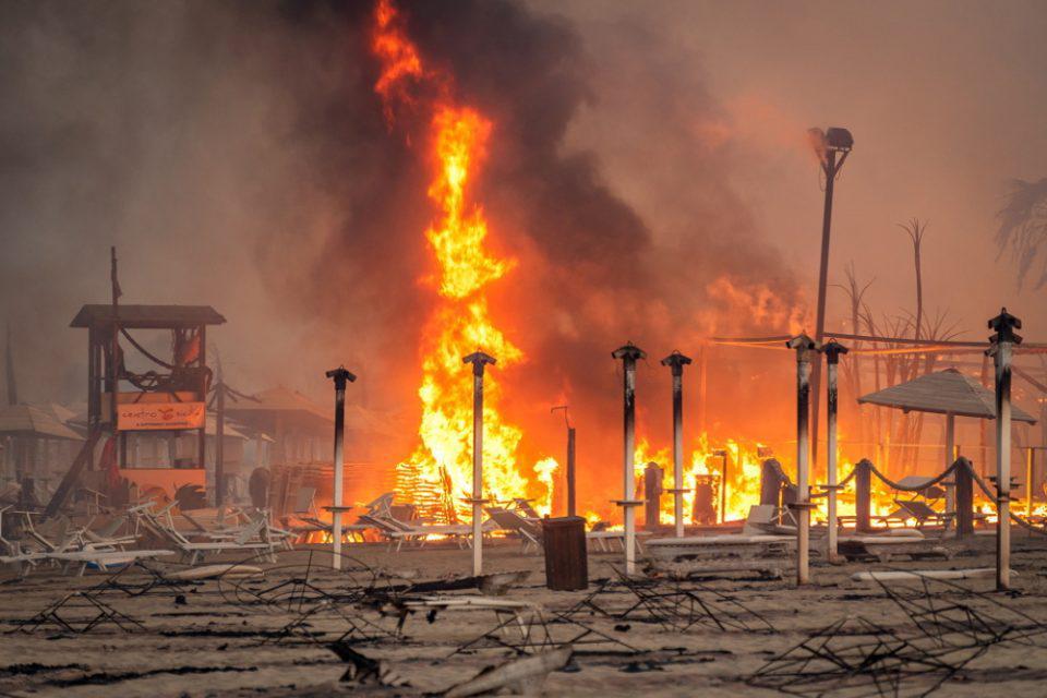 Ιταλία: Νέα μεγάλη πυρκαγιά στην Σικελία - Αποτέλεσμα εμπρησμών οι περισσότερες