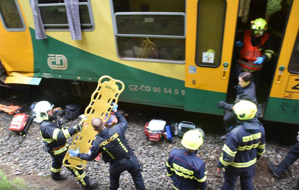 Σύγκρουση τρένων στην Τσεχία - Δύο νεκροί και 31 τραυματίες