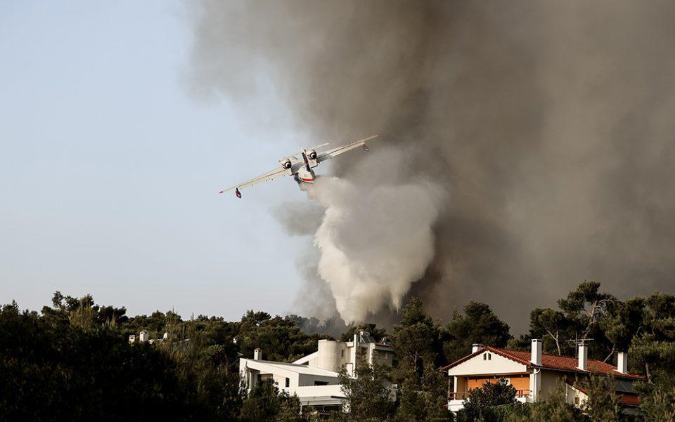 Κικίλιας: 77 πολίτες διακομίστηκαν λόγω φωτιάς και καύσωνα
