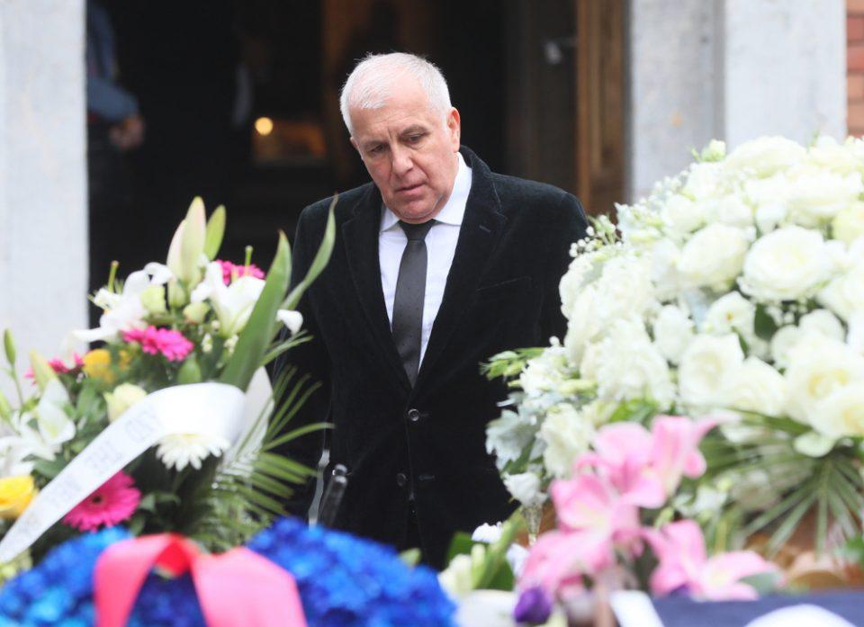 Πλήθος κόσμου στην κηδεία του Ντούσαν Ιβκοβιτς [εικόνες]