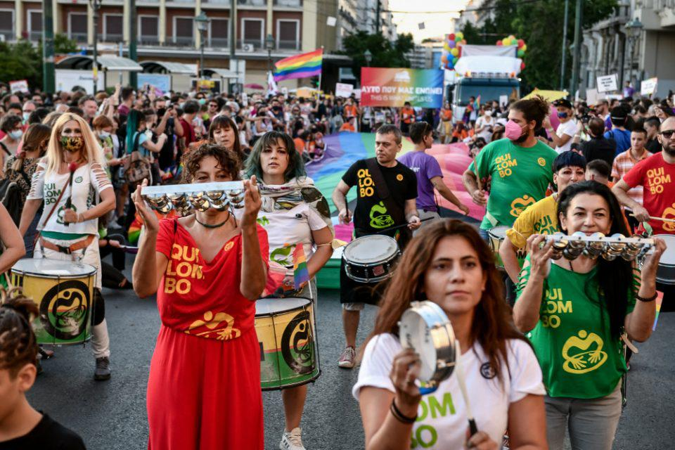 Athens Pride 2021: Σε εξέλιξη η πορεία προς τη Βουλή - Κλειστή η Σταδίου