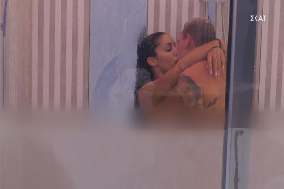 Big Brother Spoiler 16/9: Το αίτημα του Στηβ και το ομαδικό «πέσιμο» της παρέας – «Καυτά» φιλιά για Ανχελίτα και Παναγιώτη [βίντεο]