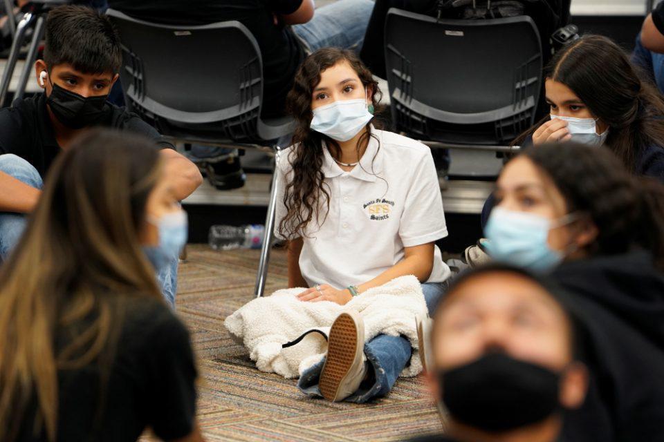 CDC: Η μετάλλαξη Δέλτα δεν προκαλεί σοβαρότερη νόσηση στα παιδιά και τους εφήβους