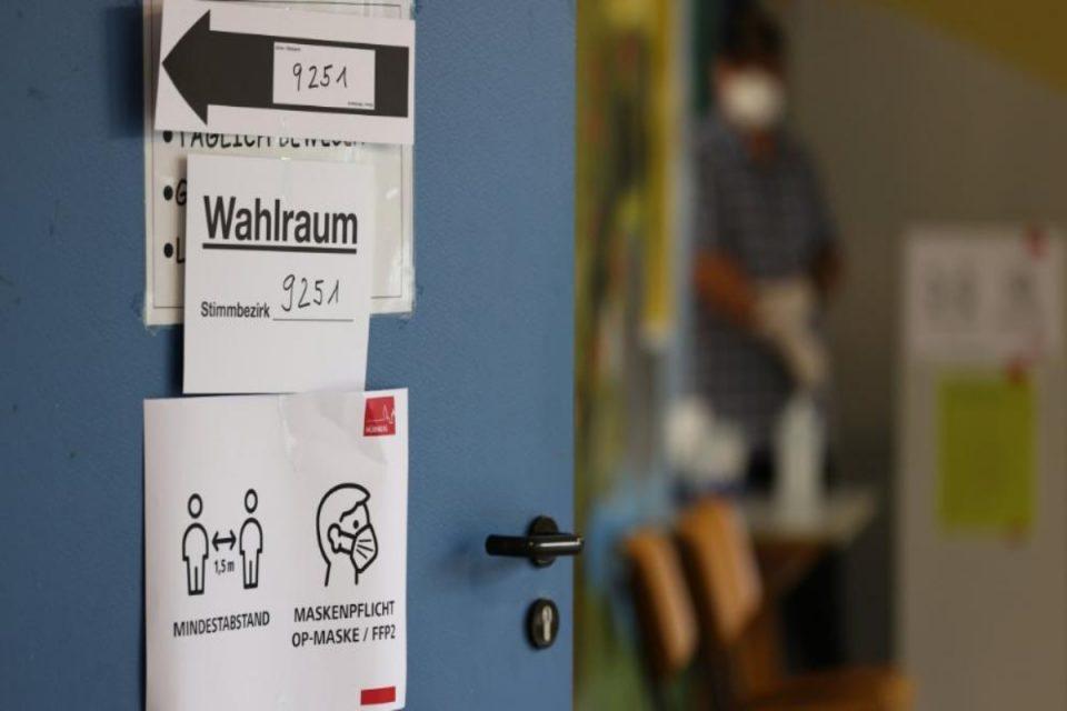Γερμανικές Εκλογές: Ψηφίζουν οι Γερμανοί για τη μετά Μέρκελ εποχή - Στο 40% οι αναποφάσιστοι, μάχη για την πρωτιά