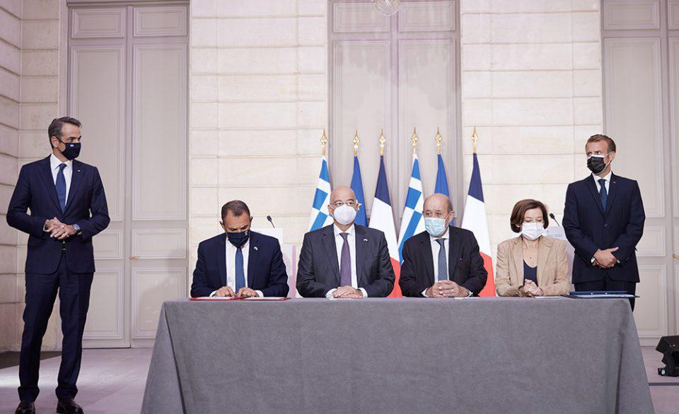 Μητσοτάκης: Την Τρίτη ενημερώνει τη Βουλή για τη συμφωνία με τη Γαλλία