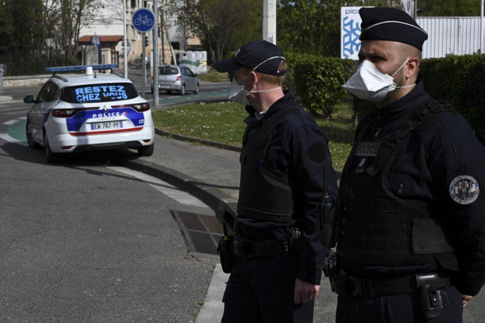 Γαλλία: Δεν το χωρά ο νους - Νάρκωνε τη σύζυγό του και έφερνε αγνώστους να τη βιάζουν επί 10 χρόνια