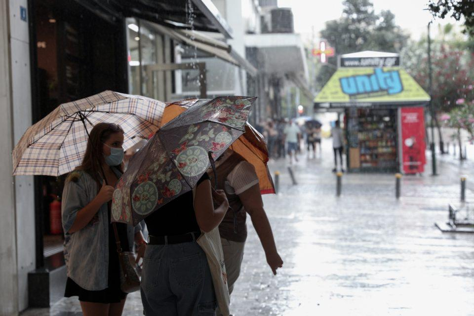 Καιρός: Συνεχίζονται οι τοπικές βροχοπτώσεις – Ποιες περιοχές θα επηρεαστούν περισσότερο από την κακοκαιρία