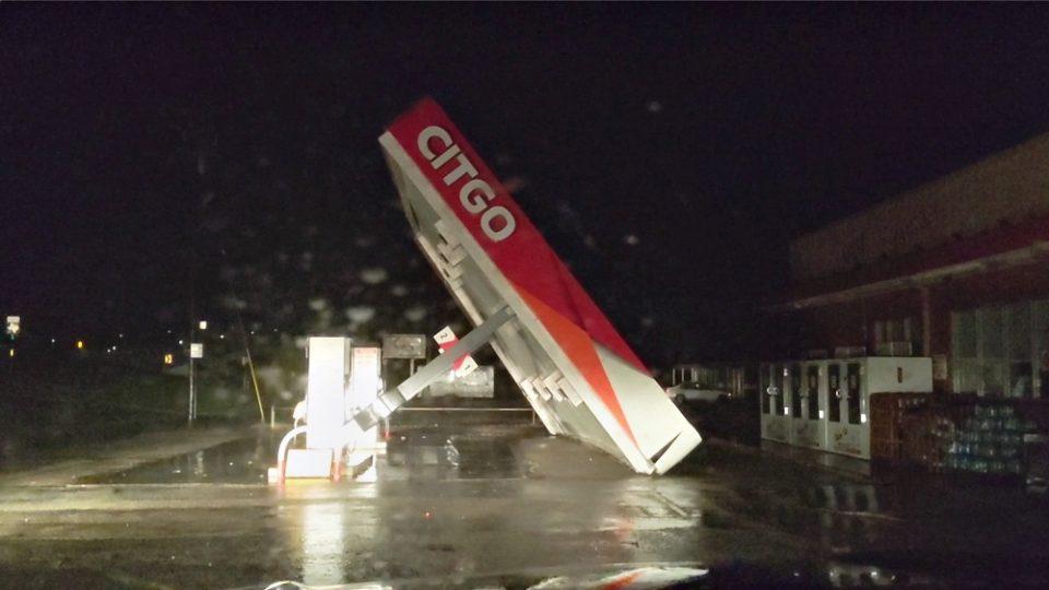 ΗΠΑ: Η τροπική καταιγίδα Νίκολας ενισχύθηκε σε κυκλώνα