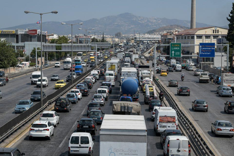 Κίνηση LIVE: Πνιγμένος ο Κηφισός – Δείτε ποιους δρόμους πρέπει να αποφύγετε