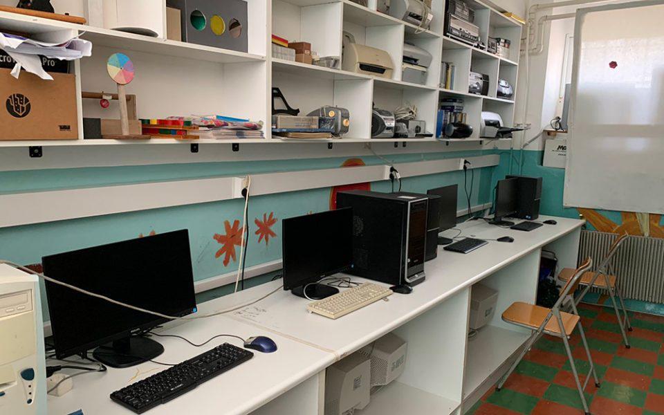 Με ηλεκτρονικούς υπολογιστές εξοπλίστηκαν σχολεία της Λέρου