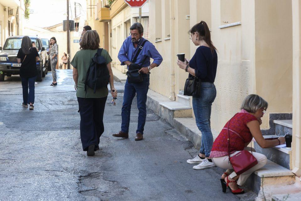 Σεισμός στο Ηράκλειο: Η στιγμή που «χτυπούν» τα Ρίχτερ – Συγκλονιστικές εικόνες