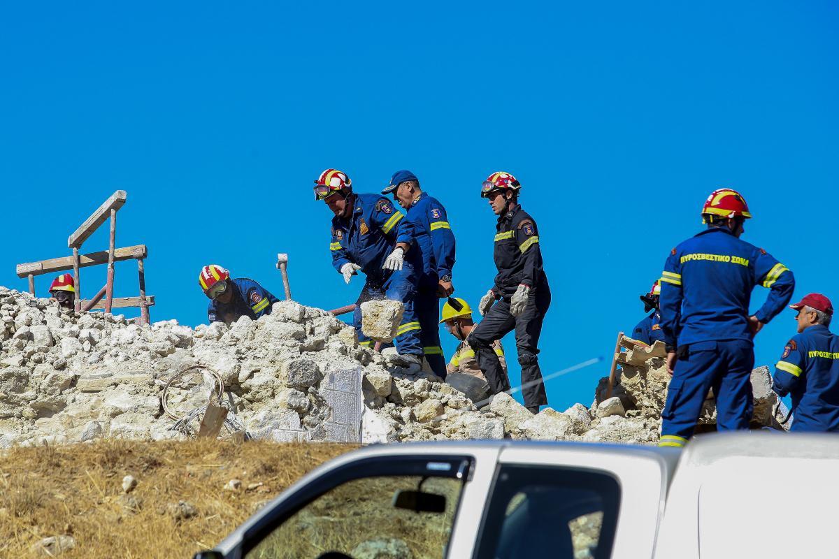 Σεισμός στο Ηράκλειο: Επί ποδός η Πυροσβεστική – Σωστικά συνεργεία μέ σκύλους και drones μεταβαίνουν στην Κρήτη