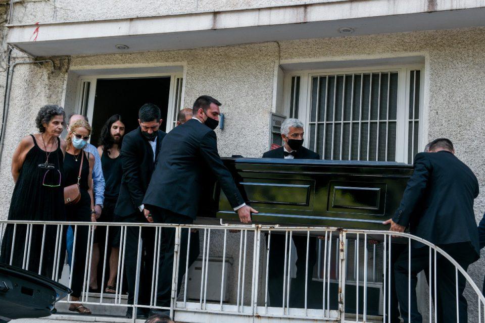 Μίκης Θεοδωράκης: Σε λαϊκό προσκύνημα στη Μητρόπολη η σορός του – Την Παρασκευή η κηδεία