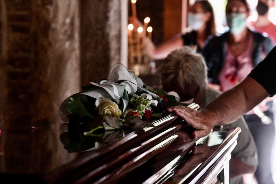 Μίκης Θεοδωράκης: Μέχρι τις 2 το λαϊκό προσκύνημα – Την Πέμπτη η κηδεία στα Χανιά