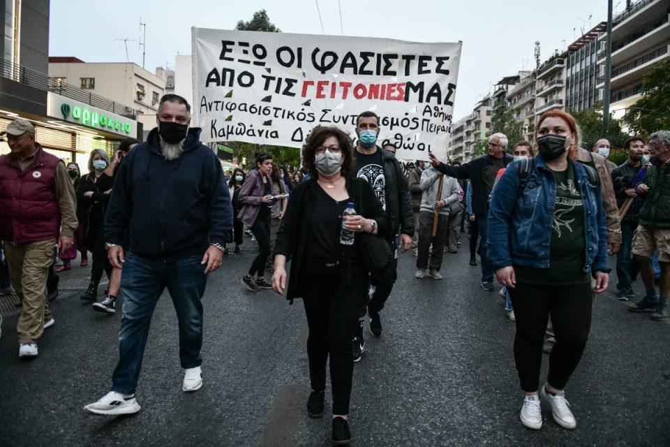 Αντιφασιστικό συλλαλητήριο ένα χρόνο μετά τη καταδίκη της Χρυσής Αυγής – Στην κορυφή της πορείας η Μάγδα Φύσσα