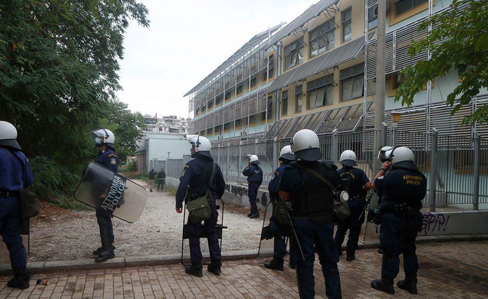 ΕΠΑΛ Σταυρούπολης: Συγκλονίζει μητέρα μαθήτριας