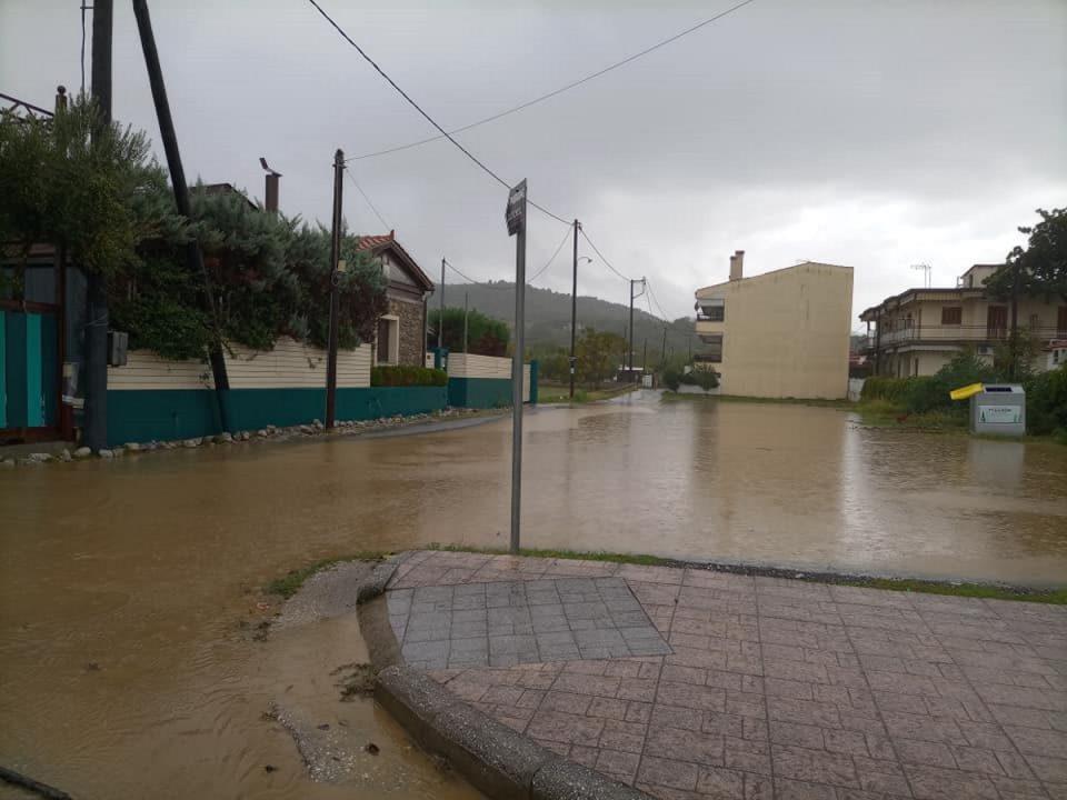 Κακοκαιρία «Αθηνά»: Ζημιές σε 30 σπίτια στον Δήμο Αγιάς – Σε επιφυλακή ο κρατικός μηχανισμός